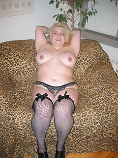 fat blonde in