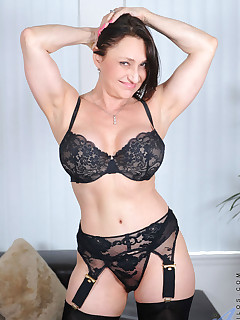Cougar Jillian